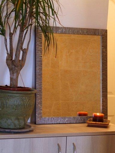 Oglindă de perete cu ramă de lemn argintie patinată modernă
